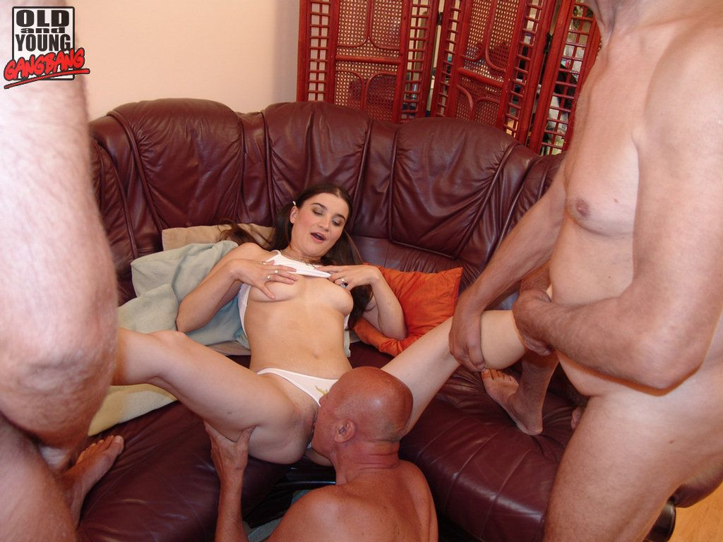 Young girl very hard sex right!