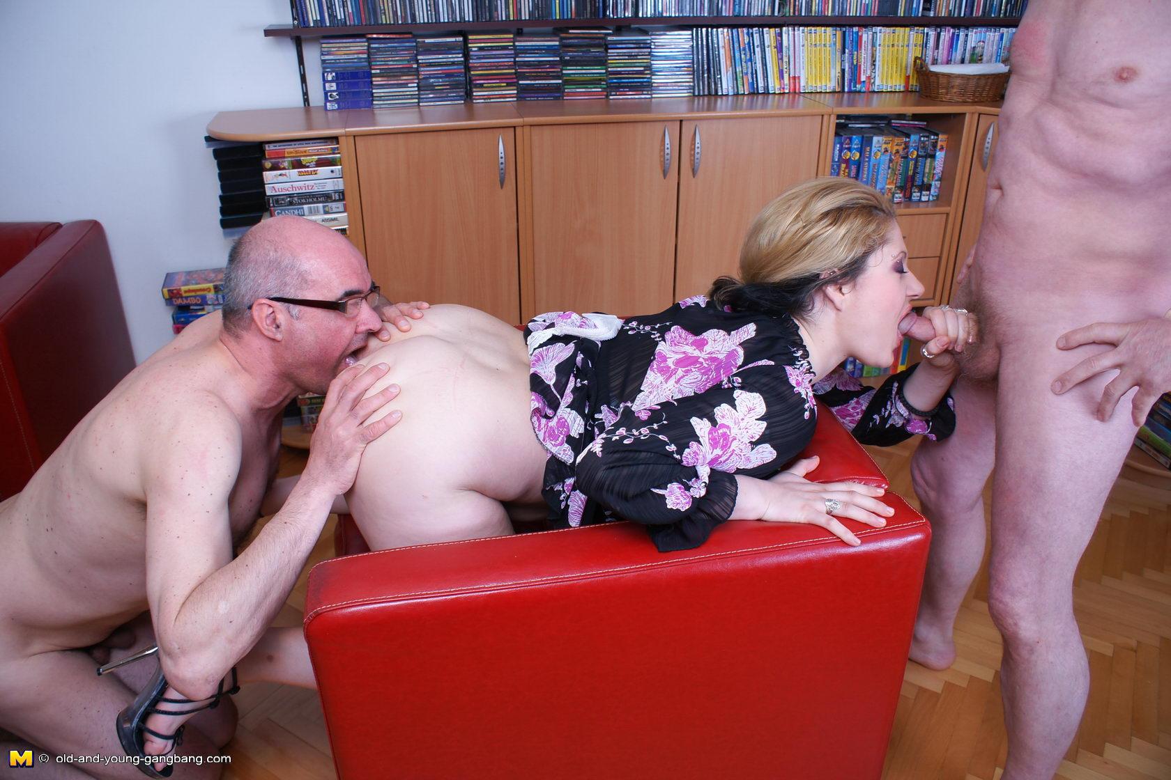 porno-russkaya-vnuchka-ded
